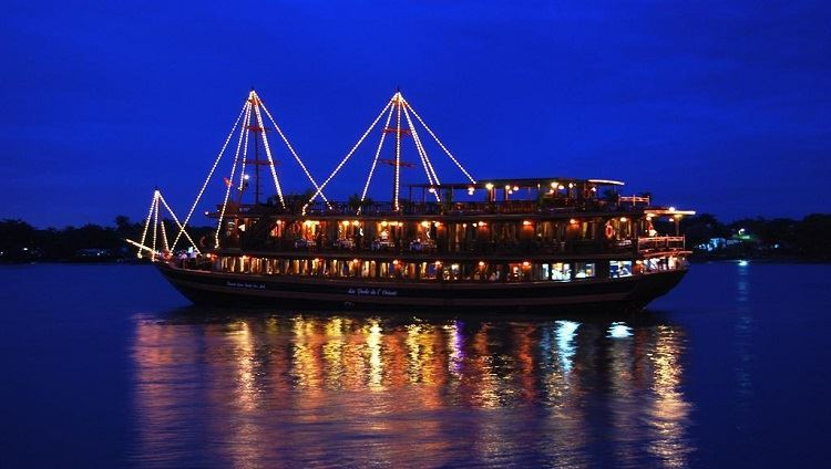 Ăn tối trên tàu Đông Dương (Indochina Junk) 5 sao