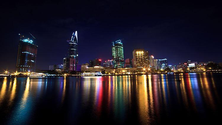 Ăn tối trên tàu Sài Gòn - Thưởng thức ẩm thực trên sông