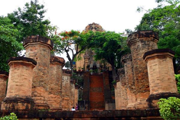 Giá vé Tháp Bà Ponagar, vé tham quan Tháp Bà Ponagar mới nhất